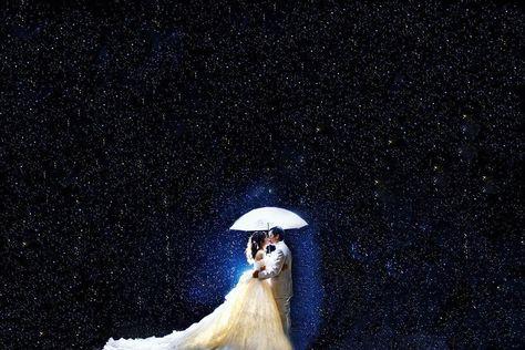 swipe→ 雨 前撮り ナイト撮影 降り出した雨 ありがとう雨 もはや 星、いや宇宙的な とても幻想的な ファンタジーな 雨の日の ナイト撮影  #kiss #night #雨 #fantasy #wedding  #weddingphotography  #weddingphoto  #weddingdress  #star #disney  #dress #パームガーデン #結婚式 #結婚式準備  #花嫁 #幸せな瞬間をもっと世界に  #space #photo #Japan #写真好きな人と繋がりたい #ウェディング #日本中の花嫁さんと繋がりたい #ブライダルヘア #花嫁 #結婚準備 #ヘアメイク #プレ花嫁 #日本中のプレ花嫁さんと繋がりたい #camera #ウェディングニュース