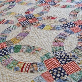 Quilts Add Color Texture And Coziness To A Room Whether You Use It For Warmth Or As A Wall Hanging Double Wedding Ring Quilt Wedding Ring Quilt Wedding Quilt
