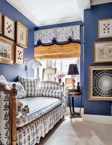 Alexa Hampton guest bedroom. photo Scott Frances for AD  Daybed Pleated valance over woven wood shade