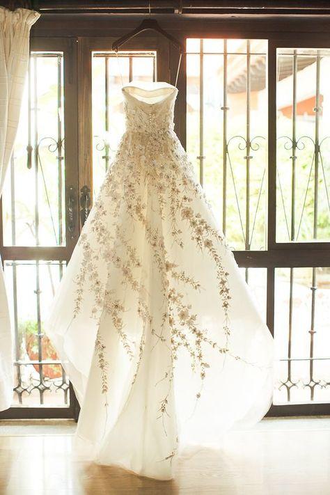 Carolina Herrera spring wedding gown - love the flower detail ~ Perfashionista Forest Wedding, Dream Wedding, Spring Wedding, Church Wedding, Wedding Bells, Wedding Ceremony, Pretty Dresses, Beautiful Dresses, Long Dresses
