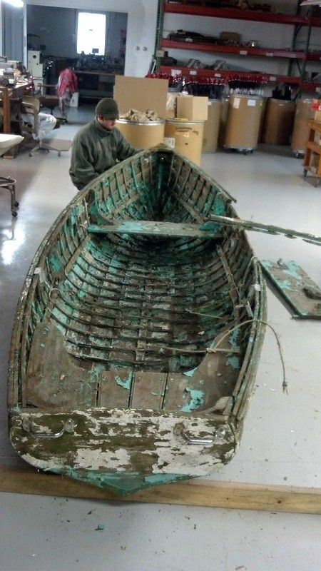 Craigslist:For sale 14' rowboat in excellent condition Paint