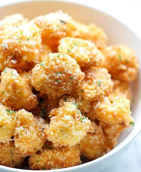 Parmesan Cauliflower Poppers - These are ready in about 20 minutes, SO GOOD! #nomnom #yummy