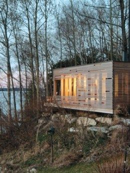Sunset Cabin On The Shores Of Lake Simcoe In 2020 Modern Cottage Cottage Retreat Modern Tiny House