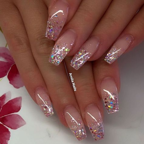 Awesome coffin nails are the hottest nails now. We collected of the most popular coffin nails. So, you don't have to spend too much energy. It's easy to find your favorite coffin nail design.