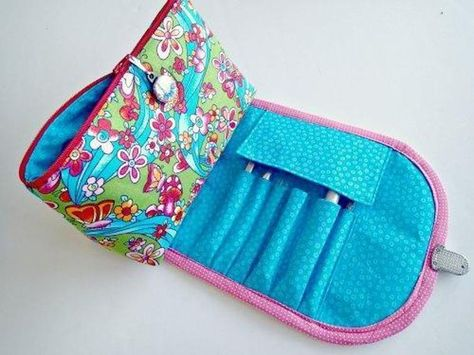 092851b105 Cosmetics bag and brush roll