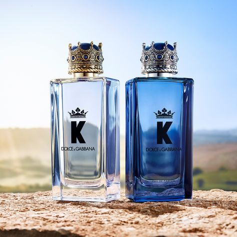 Celebrate the Holiday season with Dolce&Gabbana Beauty. Gift your loved ones with the intensity of K by Dolce&Gabbana Eau de Parfum. #DGBeauty #KbyDolceGabbana #OwnYourCrown Best Fragrance For Men, Best Fragrances, Perfume Organization, Luxury Christmas Gifts, Versace Perfume, Cologne, Dolce And Gabbana Man, Body Spray, Smell Good