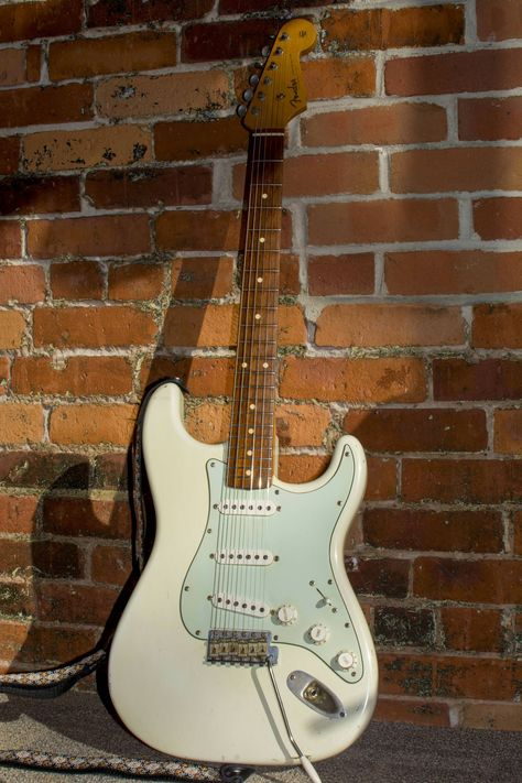 My one and only: Fender Strat Olympic White. Had it for 3 years & love it to this day! Learn Guitar Chords, Music Guitar, Playing Guitar, Acoustic Guitar, Fender Stratocaster White, Stratocaster Guitar, Fender Guitars, Love Yourself Guitar, Banjo