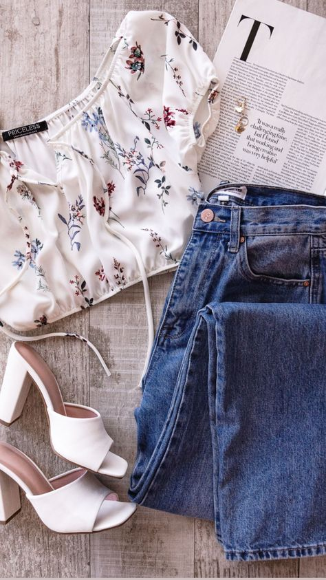 How to Style Trendy Off The Shoulder Tops for Spring