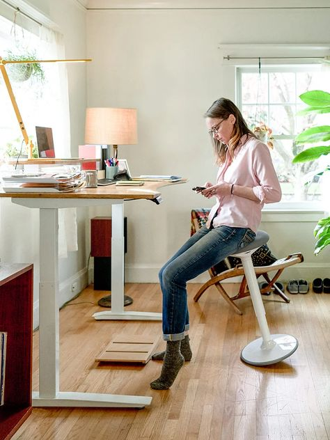 Fully has the best standing desks, chairs, and ergonomic furniture to keep you moving, engaged, and loving how you feel at work. Ergo Depot is now Fully. Cozy Home Office, Home Office Setup, Home Office Space, Home Office Design, Office Ideas, Desk Setup, Room Setup, Office Style, Standing Desk Chair