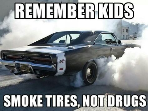 The power and stature of American muscle cars continues to fuel debate among car enthusiasts. See why these awesome muscle car memes throw gas on the fire! Truck Memes, Funny Car Memes, Car Humor, Funny Cars, Car Puns, Car Guy Memes, Ford Memes, Jeep Humor, Truck Quotes