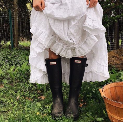 (notitle) - House of Adelina and Gwendolyn bla. My Vibe, Simple Living, Farm Life, Hunter Boots, Shorts, Ruffle Blouse, Photoshoot, My Favorite Things, My Style