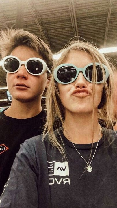 Liked by 1 553 876 personsYn: so me and Haz went shopping and bought this nice sunglasses