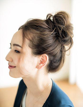カジュアルな秋服と相性 無造作ハイシニヨン 美的 Com