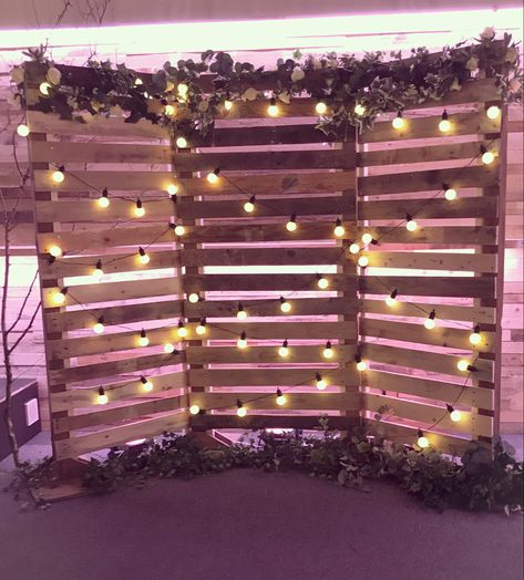 With rustic wood, festoons and foliage, our backdrop is the perfect selfie station or behind a top table, or even for your ceremony. Pallet Wedding, Diy Wedding, Dream Wedding, Wedding Day, Rustic Wedding Photos, 21st Party, Grad Parties, Outdoor Graduation Parties, Graduation Party Foods