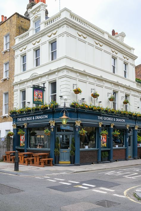 Bar Restaurant Design, Restaurant Exterior Design, Restaurant Restaurant, London Pubs, London Cafe, London Coffee Shop, London Street, Architecture Restaurant, Vintage Architecture