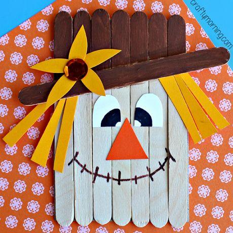 De La Peinture Du Carton Et Des Baton Popsicle Pour Une Bricolage Dautomne Enfant
