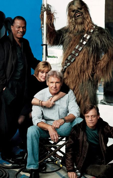 Star Wars Return Of The Jedi gang now featuring Billy Dee Williams, Carrie Fisher, Harrison ford, Mark Hamill and Chewbacca Star Wars Film, Star Trek, Star Wars Dark, Chewbacca, Harison Ford, Star Francaise, Princesa Leia, Darth Vader, Photo Vintage