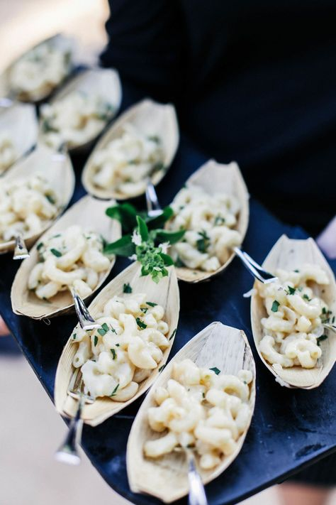 20 Late Night Snacks Your Wedding Guests Are Going To Love!