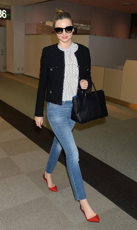 The always smiling Miranda Kerr was spotted making her way to catch a flight out of Japan. The Australian model wore a pair of MiH Nouvelle Jeans in Play with some red pumps and a Chanel jacket. It looks like Miranda is the next celebrity to give into the