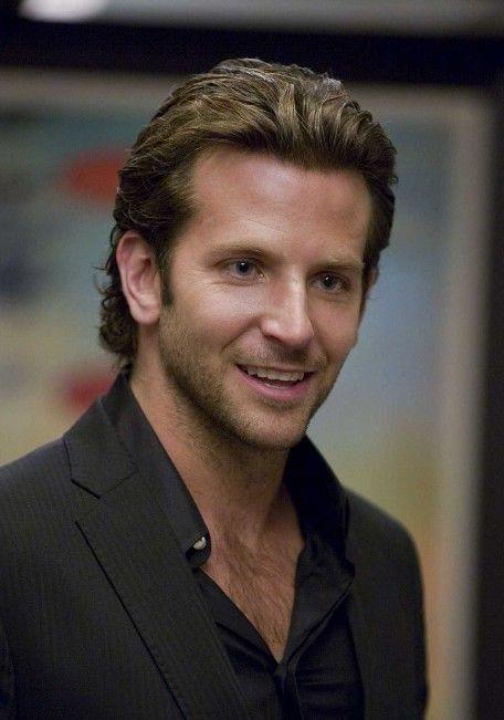 Bradley Cooper Medium Comb Backwards Hairstyle New Site In 2020 Medium Haare Haarschnitt Manner Herrenfrisuren