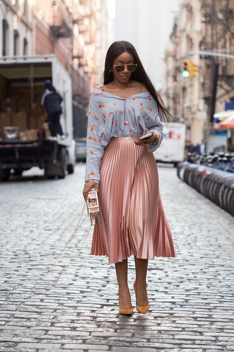 SIMPLICITYxSTYLE created by Shaniqua J . A New York based fashion influencer and freelance stylist. Shaniqua documents her daily style, along with her travels to inspire and motivate readers, one ensemble at a time. » SIMPLICITYxSTYLE