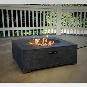 With Clean Lines And A Flat Surface The Ash Lake 32 Rdquo Square Lp Fire Table From Threshold 153 Outdoor Fire Pit Table Fire Table Modern Outdoor Firepit