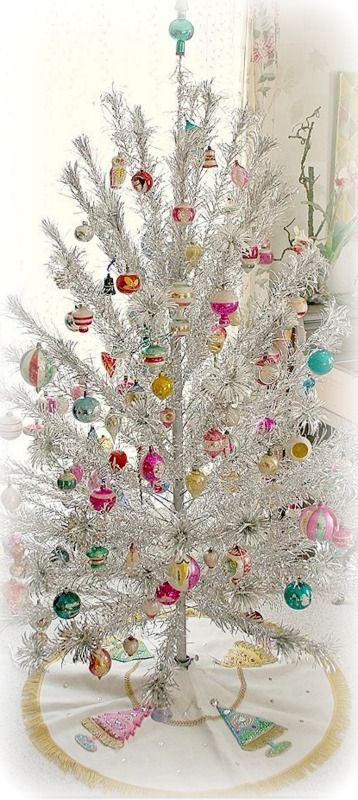37 Awesome Silver And White Christmas Tree Decorating Ideas Vintage Christmas Tree Decorations Modern Christmas Tree White Christmas Tree Decorations