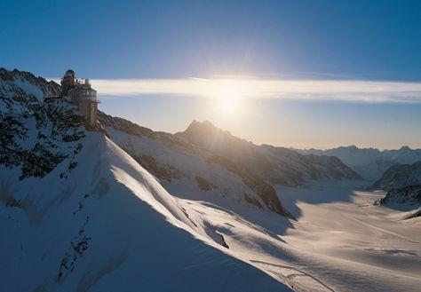 Jungfrau - Top of Europe. Buchen Sie Bergbahntickets, Skipass, Hotels, Ferienwohnungen oder Skiequipment bequem online. Ohne warten und anstehen direkt in den Urlaub.