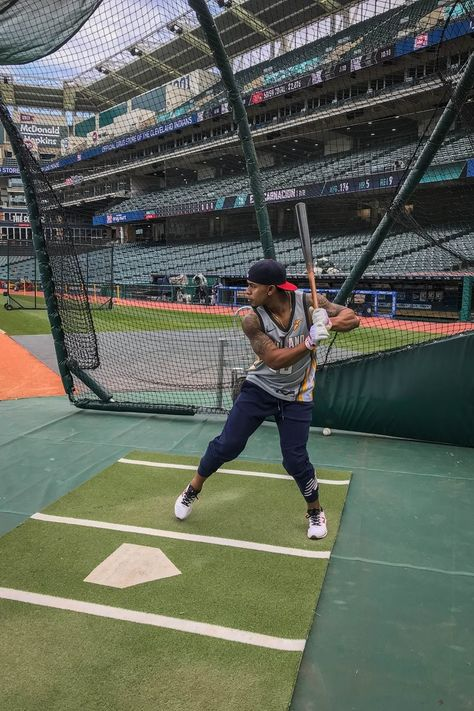 Cleveland Indians Francisco Lindor during batting practice before the