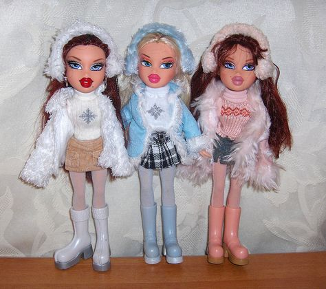 "Acquire great suggestions on ""china doll"". They are actually readily available for you on our internet site. Bratz Doll Halloween Costume, Riverdale Halloween Costumes, Bratz Halloween Costume, Halloween Kostüm, Bratz Doll Makeup, Bratz Doll Outfits, Bratz Dolls Original, Brat Doll, Bratz Girls"