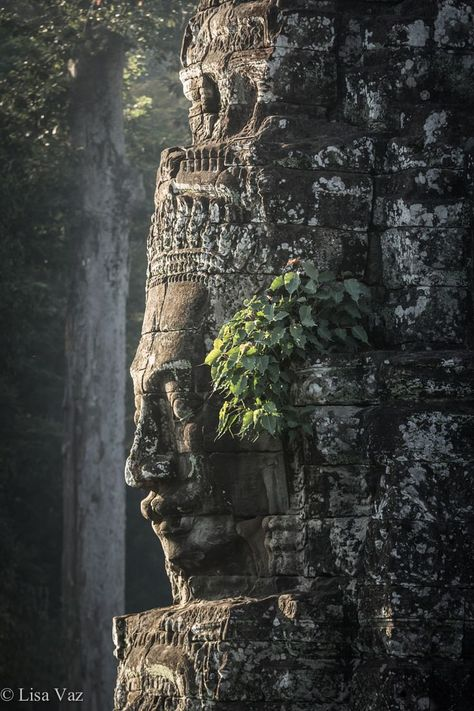 Pouting in Cambodia - The century Khmer Bayon Temple in Cambodia is known for its awsome smiling faces. It's part of the largest Hindu-Buddishm Sanctuary in the World, Angkor. Laos, Places Around The World, Around The Worlds, Beautiful World, Beautiful Places, Places To Travel, Places To Visit, Magic Places, Angkor Wat Cambodia