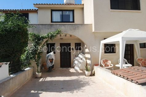 Sold Ref 2233 2 Bedroom Townhouse For Sale In Tomb Of The Kings Soldoncyprus Soc Townhouse Tomboftheki Property For Sale House Styles Townhouse