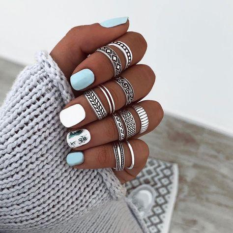 Nails: nail art for short nails.