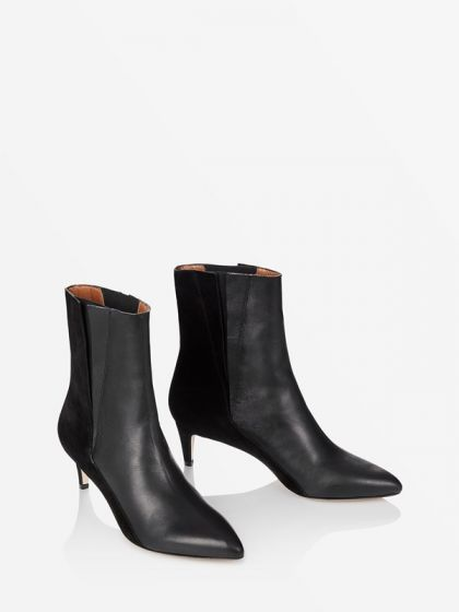 Best Black Booties 2019 The One Pair Of Boots Everyone Needs Right Now in 2019 | winter is