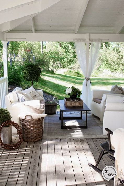 Calm back porch getaway ~rooms FOR rent~