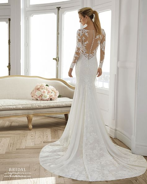 Wedding Dress Eira by Aire Barcelona - Search our photo gallery for pictures of wedding dresses by Aire Barcelona. Find the perfect dress with recent Aire Barcelona photos. Fairy Wedding Dress, Sheath Wedding Gown, Dream Wedding Dresses, Designer Wedding Dresses, Bridal Dresses, Wedding Robe, Aire Barcelona Wedding Dresses, Fit N Flare, Anna Campbell