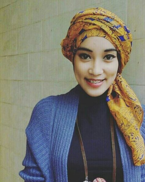 Turban style with Monday smile. Let's start the day