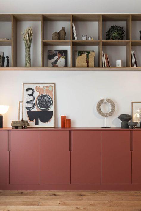 Rénovation d'un appartement à Montmartre par l'agence Boclaud Architecture. Tableaux : Galerie Tarivoci, vase : Jippy Design, sculptures : Bertrand Fompeyrine Design, peinture : Ressource Peintures