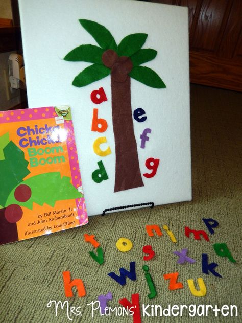 DIY Felt Board for Story RetellingYou can find Felt boards and more on our website.DIY Felt Board for Story Retelling Flannel Board Stories, Felt Board Stories, Felt Stories, Flannel Boards, Toddler Fun, Toddler Crafts, Book Activities, Preschool Activities, Preschool Library