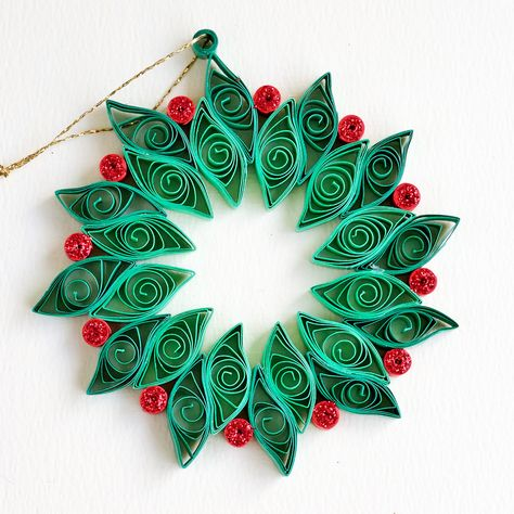 Step By Step Guide On How To Make Paper Quilling Flowers – Quilling Techniques Neli Quilling, Quilling Work, Paper Quilling Flowers, Paper Quilling Patterns, Quilled Paper Art, Quilling Jewelry, Quilling Paper Craft, Paper Crafts, Quilled Roses