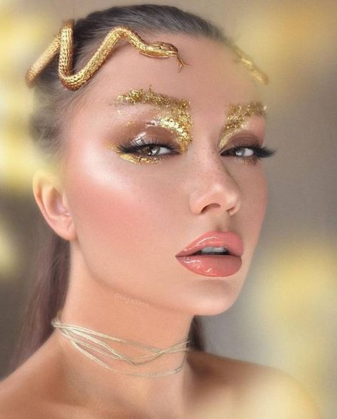21 - 2019 - 2020 best makeup and nail polish samples - 1 Makeup is an application made with the help of cosmetic products to influence the beauty of a. Fairy Makeup, Mermaid Makeup, Makeup Art, Beauty Makeup, Medusa Makeup, Medusa Costume Makeup, Make Up Looks, Egyptian Makeup, Exotic Makeup