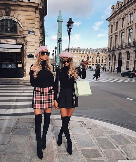 7 Chic Ways To Dress Like a French Women. How to style your clothing to achieve the classic Parisian chic look