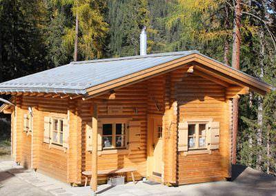 Berghutte 16 Cm Rundstamm In 1700 M Hohe Blockhaus Ferienhaus Hutte Bauen Haus