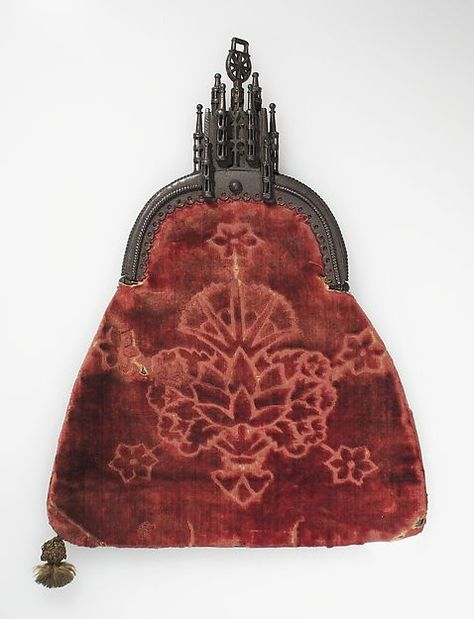 Purse, late 15th century. Northern European. The Metropolitan Museum of Art, New York. The Cloisters Collection, 1952 (52.121.3)