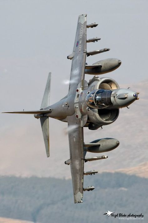 toocatsoriginals: RAF Harrier Photo: Nigel Blake A few varied photos that I like Military Jets, Military Weapons, Military Aircraft, Airplane Fighter, Fighter Aircraft, Air Fighter, Fighter Jets, Photo Avion, Aircraft Design