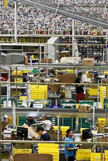 What It Looks Like Inside Amazon Amazon Warehouse Warehouse