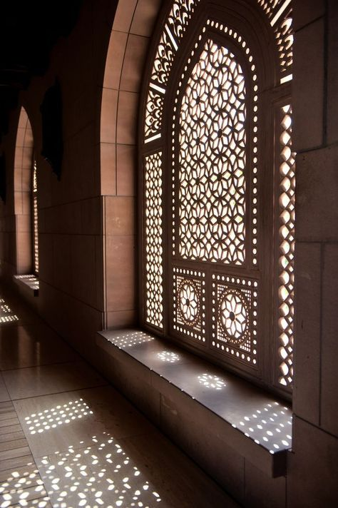 Interiors Details: perforated stone Jali at Sultan Qaboos Grand Mosque, Muscat, Oman, via Art Et Architecture, Mosque Architecture, Beautiful Architecture, Architecture Wallpaper, Ancient Architecture, Oman Tourism, Sultan Qaboos Grand Mosque, Beautiful Mosques, Religious Architecture