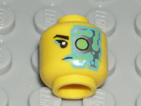 LEGO BATGIRL MINIFIGURE HEAD Dual Sided Light Flesh Face 76013
