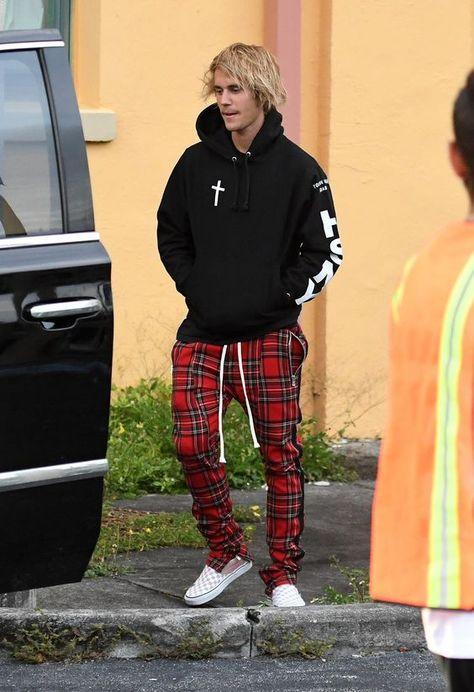 Calça Xadrez. Macho Moda - Blog de Moda Masculina: CALÇA XADREZ MASCULINA: Como Usar no dia a dia? Moda Masculina, Estilo Masculino, Moda para Homens, Roupa de Homem. Justin Bieber