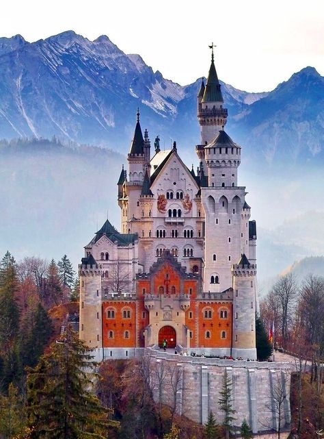 Did you know, that Disney used Germany's Neuschwanstein castle as an inspiration for the castle in the Cindarella film? 🏰👠  Find a group on JoinMyTrip and experience it yourself! Castles In Ireland, Germany Castles, Castle In Germany, Munich Germany, Bavaria Germany, Tahiti, Lichtenstein Castle, Most Visited Sites, Castles To Visit